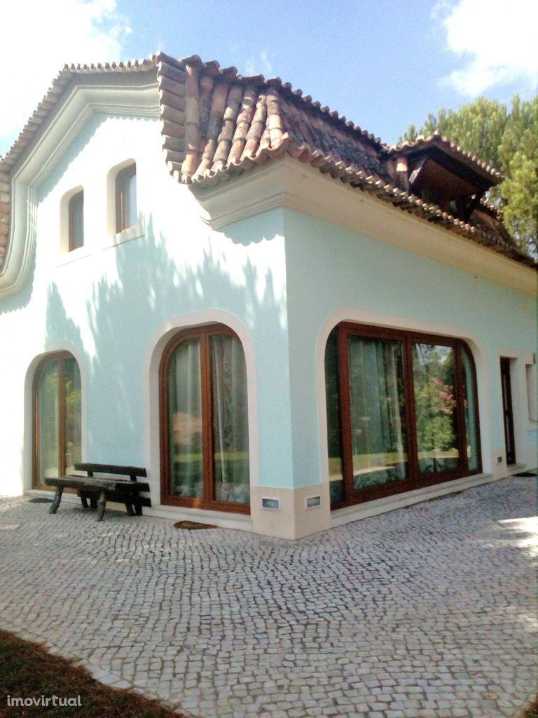 Azeitão/Parque Arrabida Quinta com 3 Ha e Moradia 4 ass
