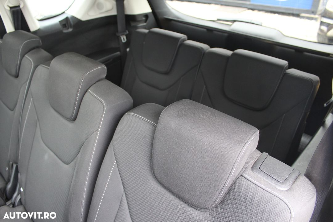 Ford S-Max - 18