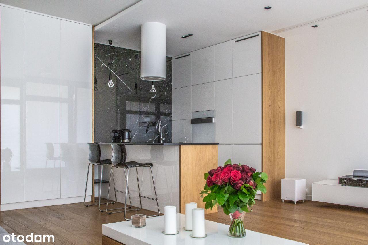 2 pokoje, wysoki standard, odświeżone. Prywatnie