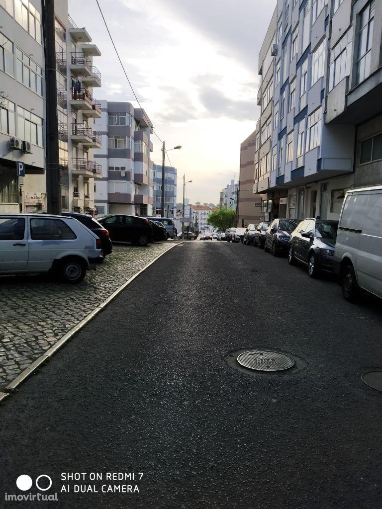 Fantástico T3 em Laranjeiro,Almada,boas áreas,rápido acesso a Lisboa