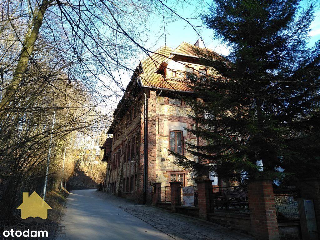 Zabytkowy pensjonat w centrum Nałęczowa