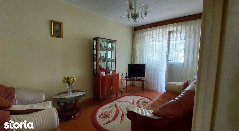 Apartament 3 camere spatios Micro 14