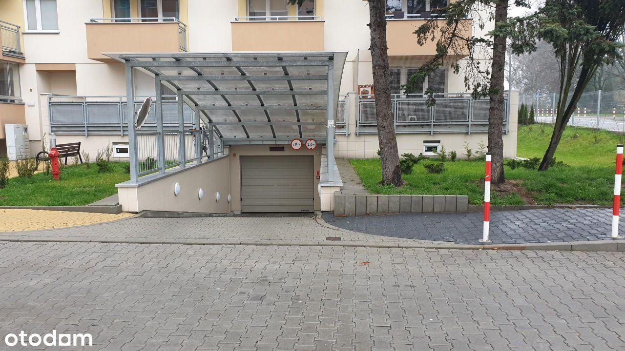 Garaż do wynajęcia ul. REDUTA 9B