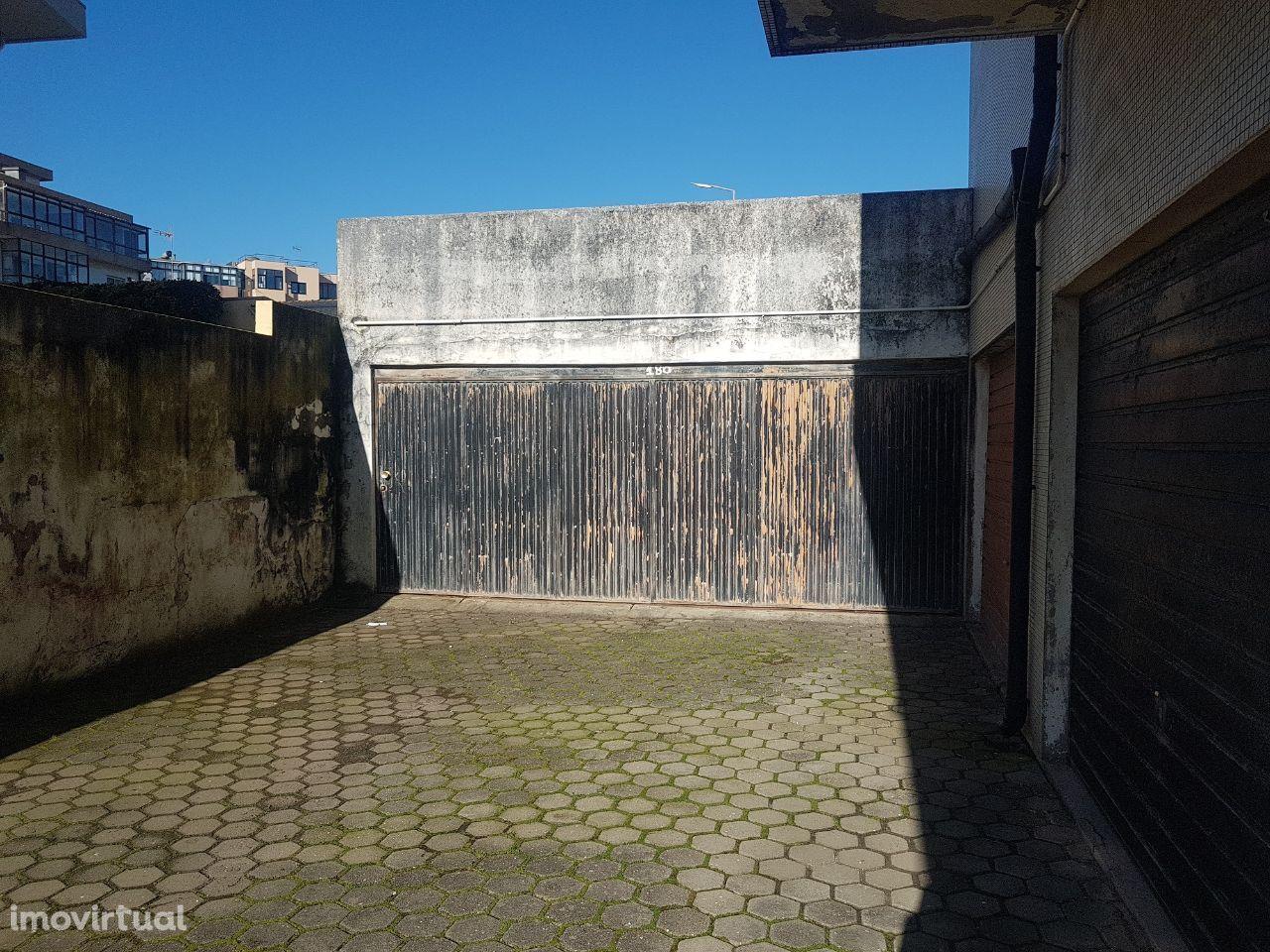 OPORTUNIDADE garagem 90m2 a 50 mts da praia