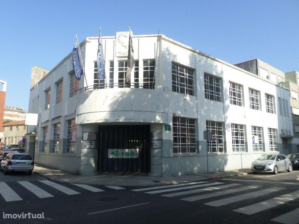 Prédio para reconstrução no Centro do Porto