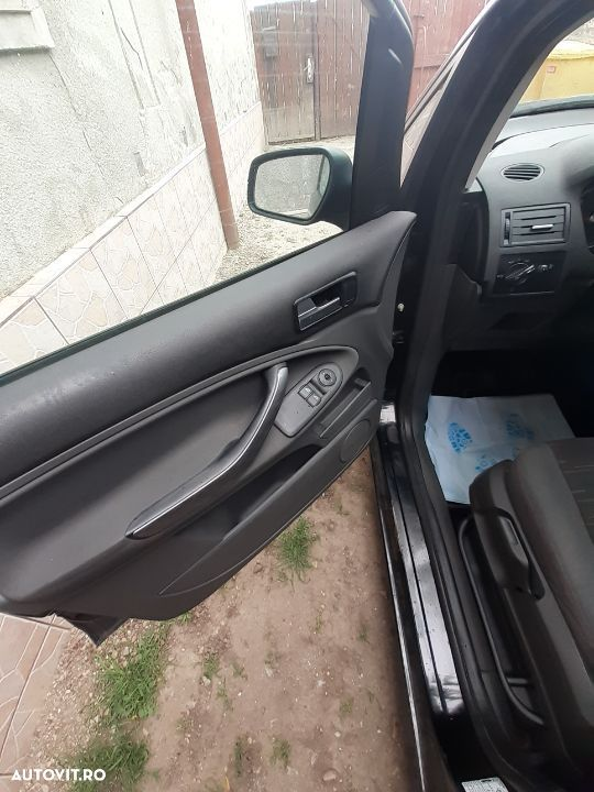 Ford C-MAX 1.6 - 11