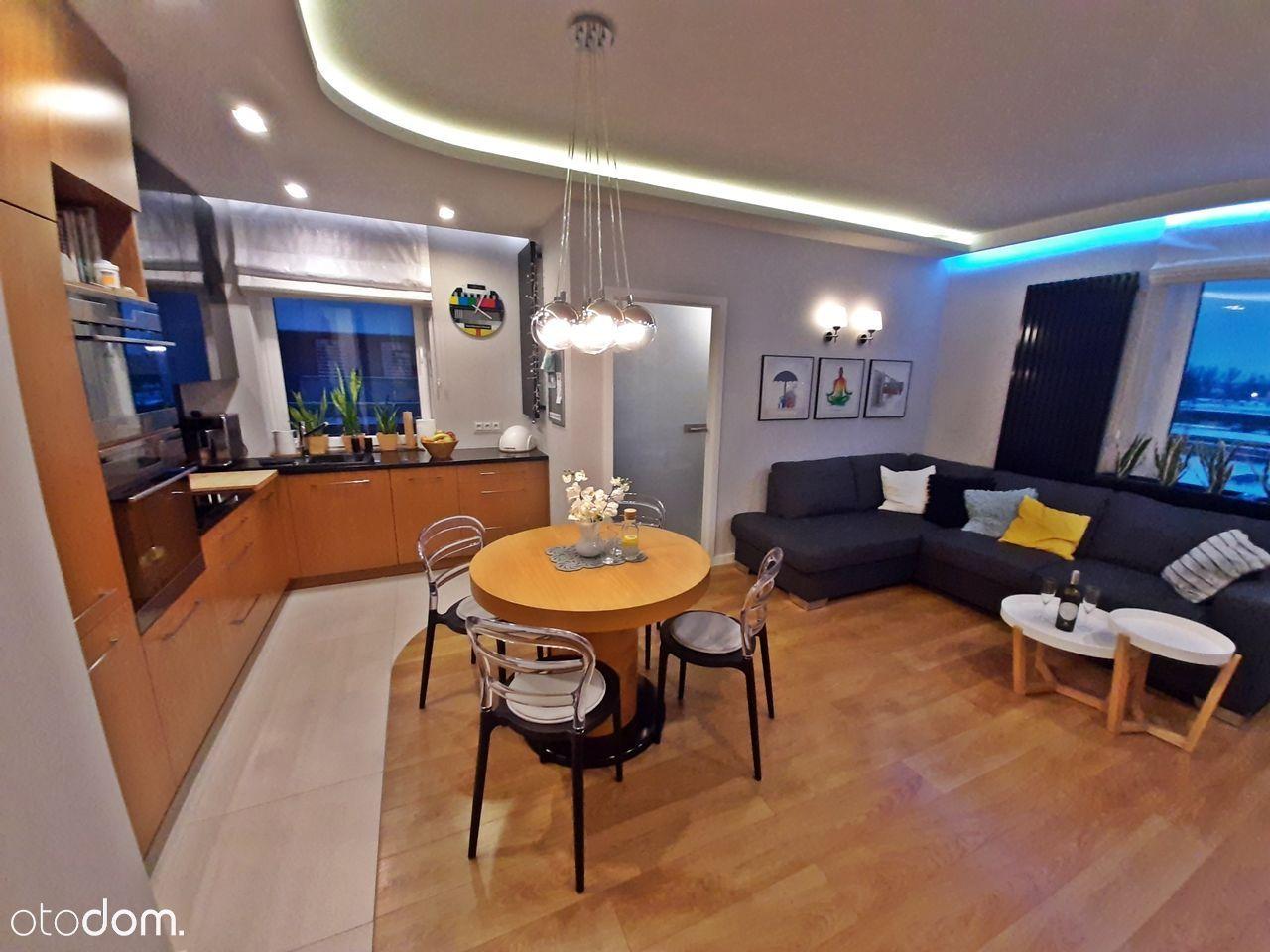 Trzy pokoje + gabinet, dwa balkony, 2 miejsca post