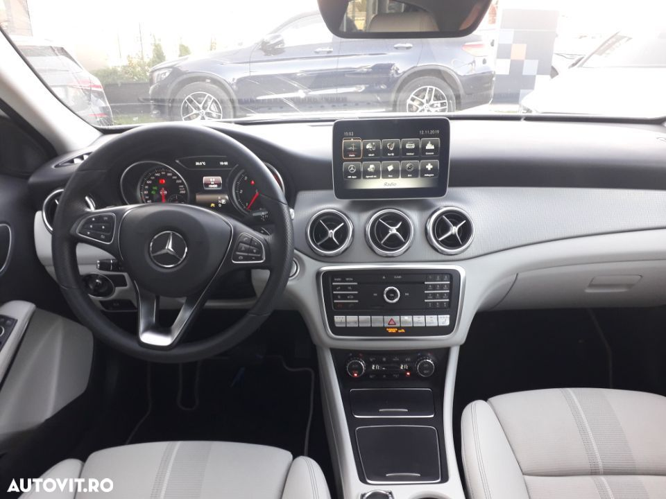 Mercedes-Benz GLA 220 - 13