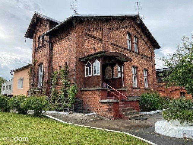 Dom i zabudowania gospodarcze z działką 3100 m2