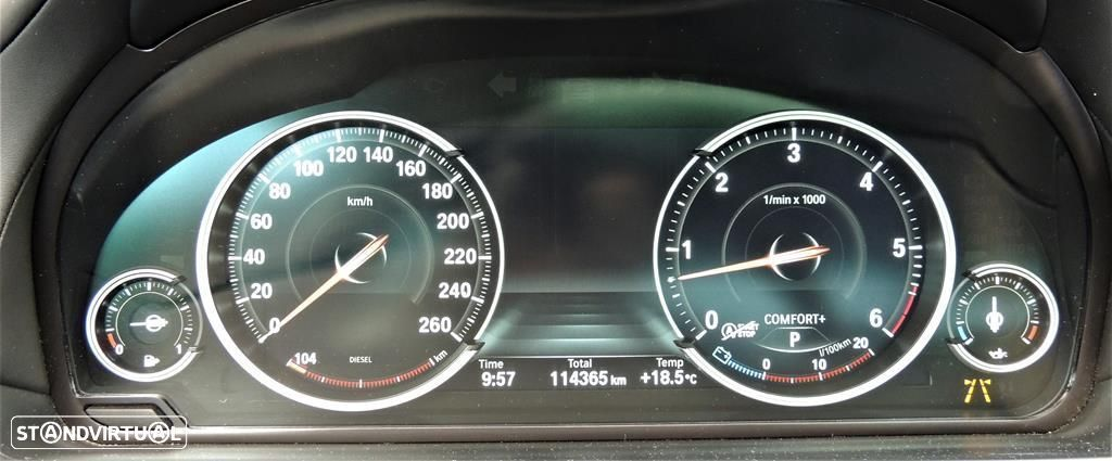 BMW 750 d xDrive Pack M - 17
