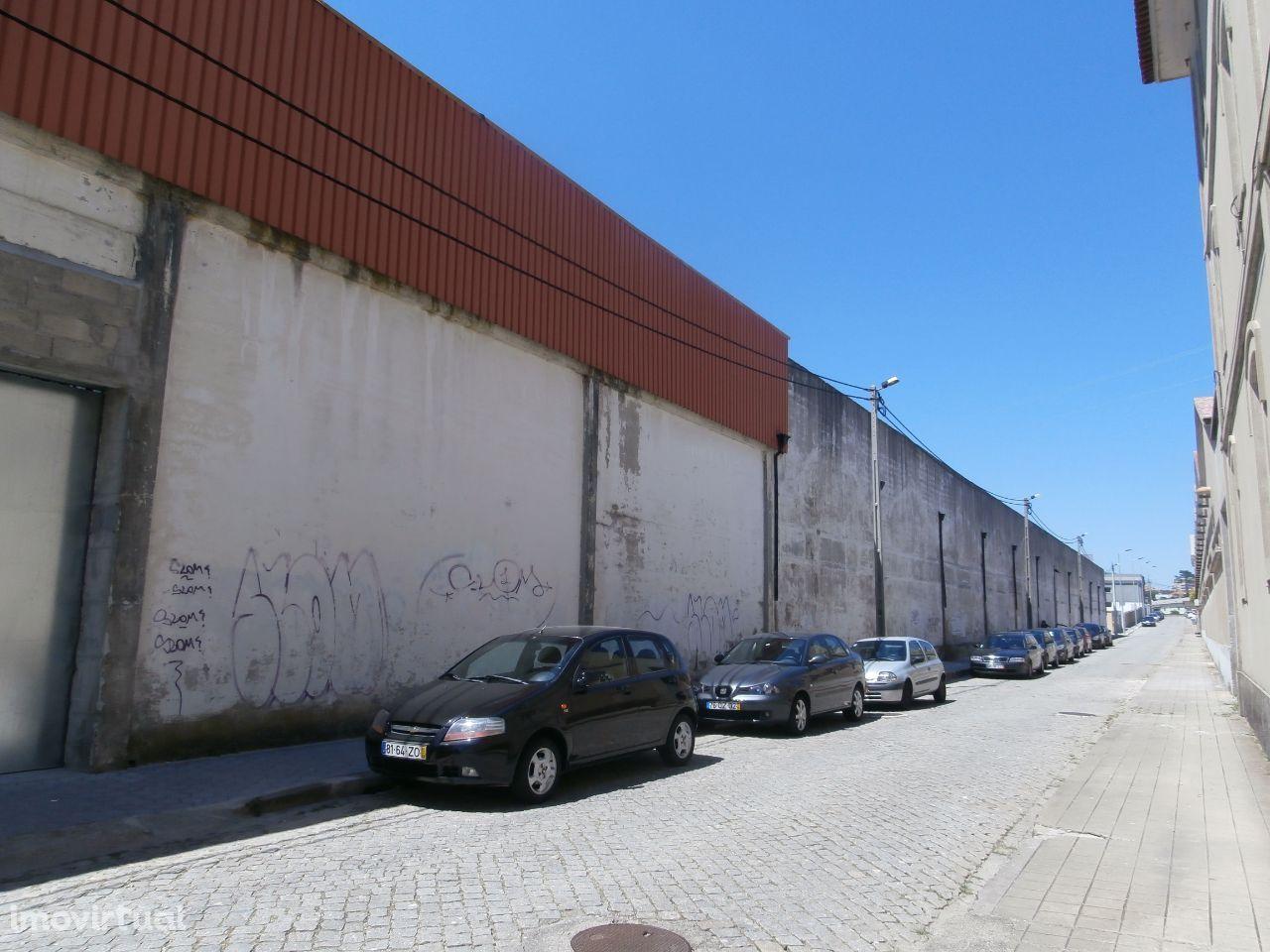 Armazém à Estação de Valadares e fábrica de cerâmica