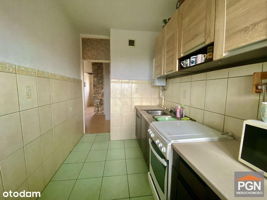 2 pokoje z balkonem na 3 piętrze w Trzebiatowie.