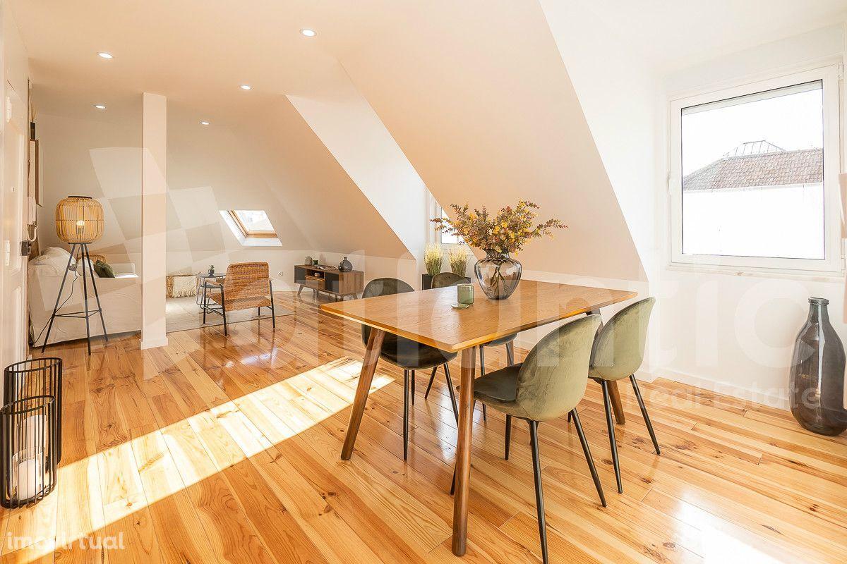 Apartamento T3 com terraço renovado, equipado e mobilado