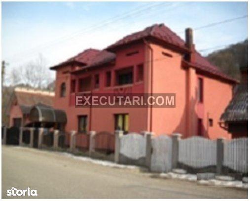 Casa D+P+1E - 110m² - Teren - 975m², Petrova|Licitatie publica
