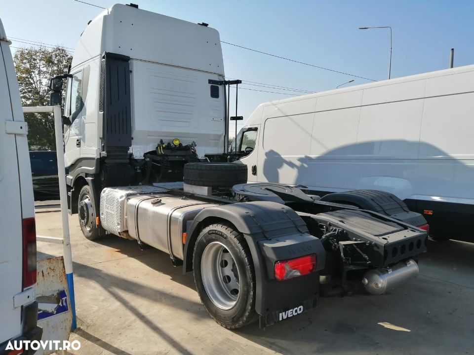 Iveco Stralis 480 SpaceCab - 2