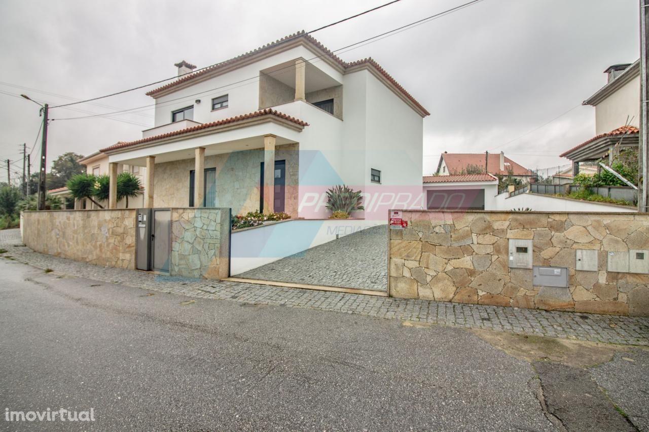 Excelente Moradia T3 para arrendamento de férias na zona de Braga!