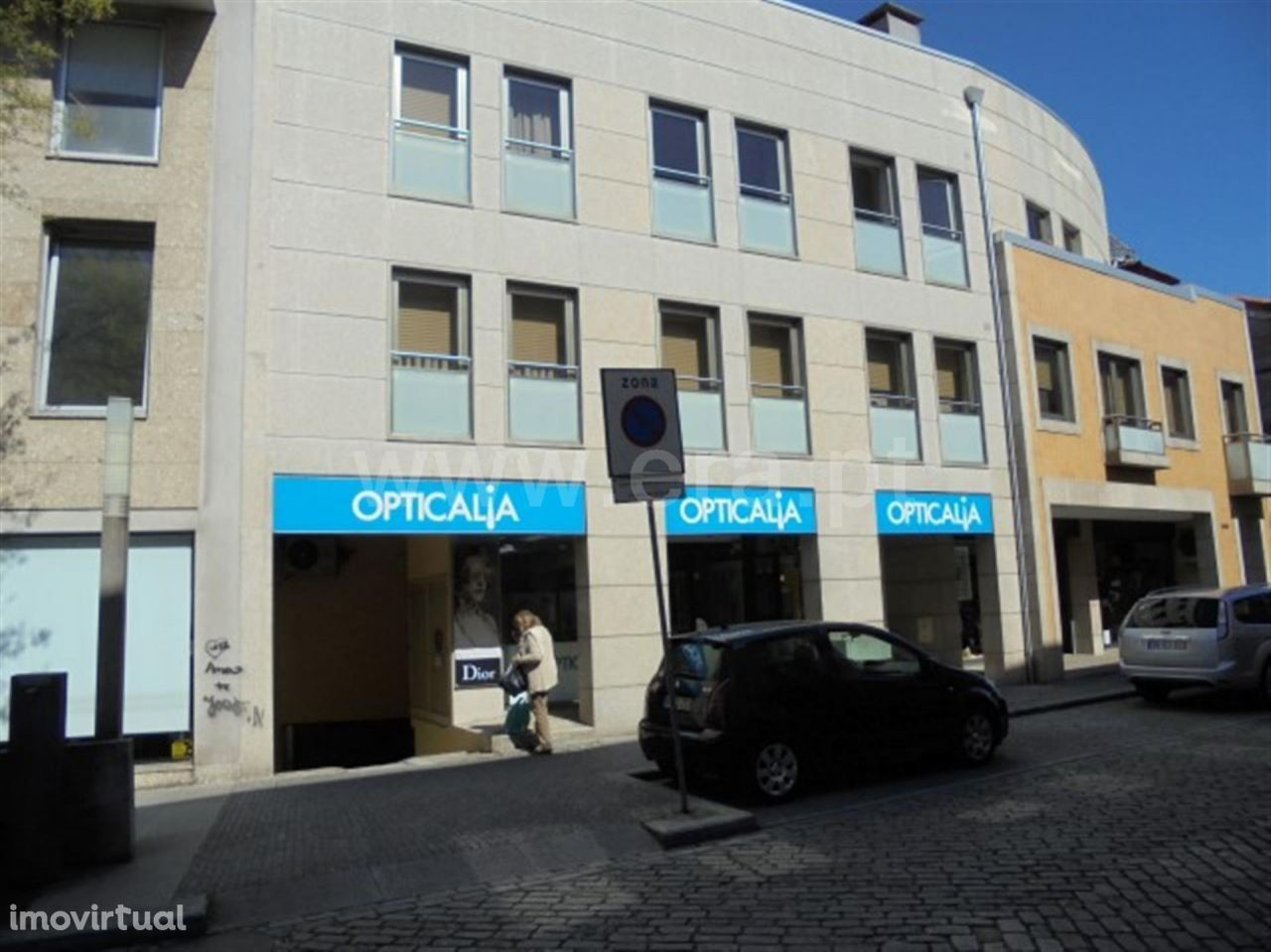 Garagem no Centro da Cidade de Fafe
