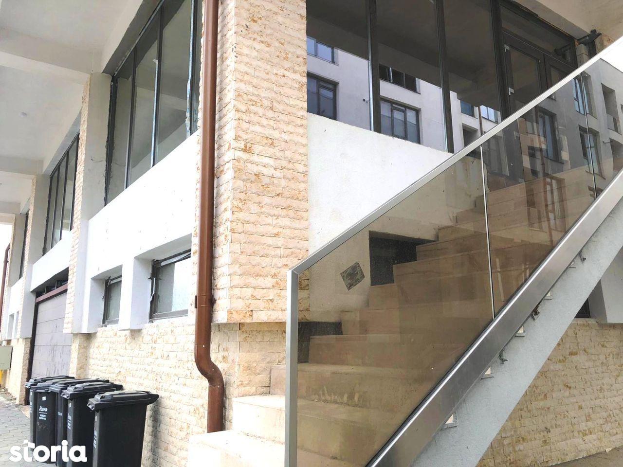 Proprietar vand apartament 3 camere 106 mp etaj 1 str. Ostirii Rahova