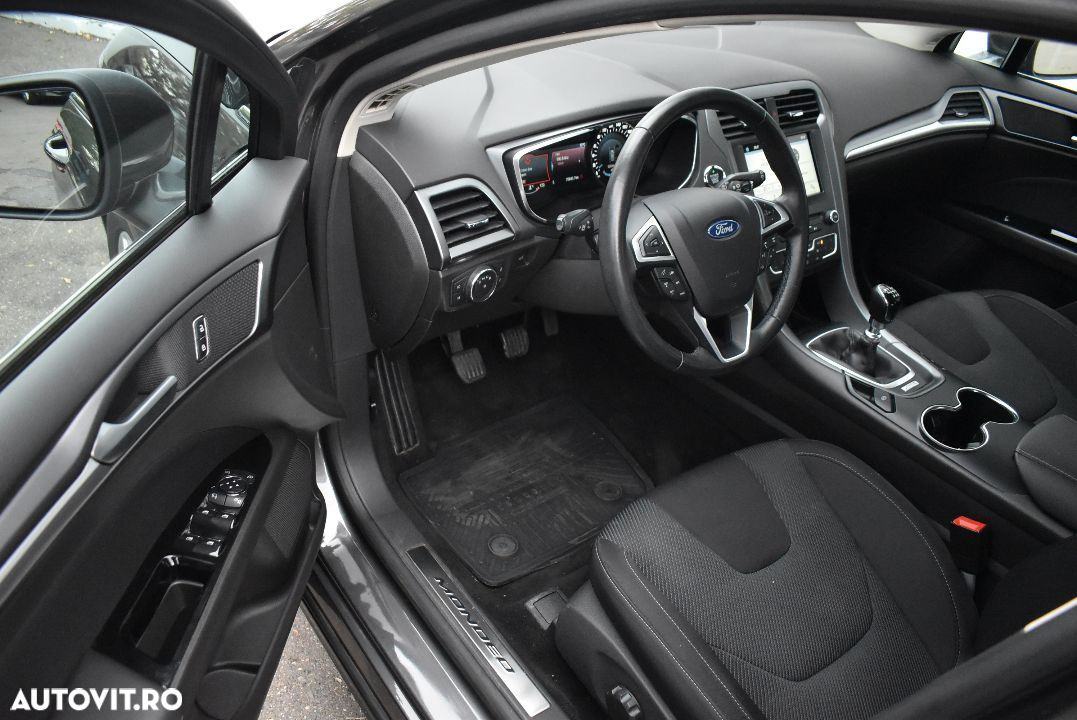 Ford Mondeo 1.5 - 7
