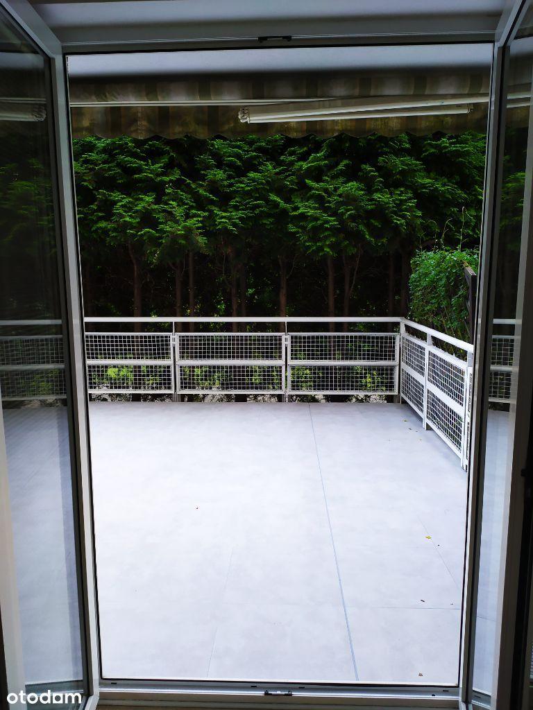 Ciche dwupokojowe mieszkanie 47 m2 + 35 m2 taras.