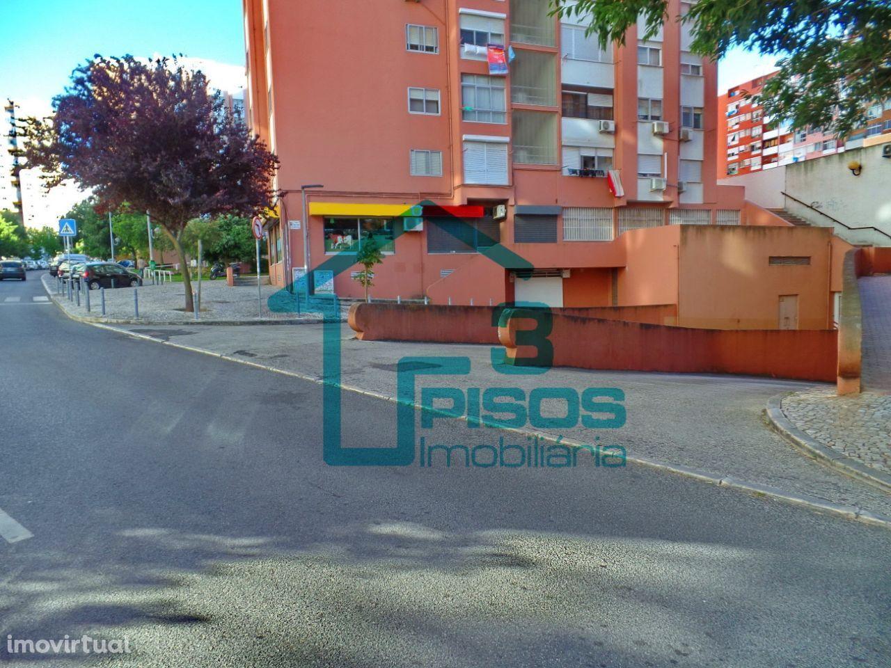 Estacionamento para venda, em Alfornelos - Colina do Sol - Amadora