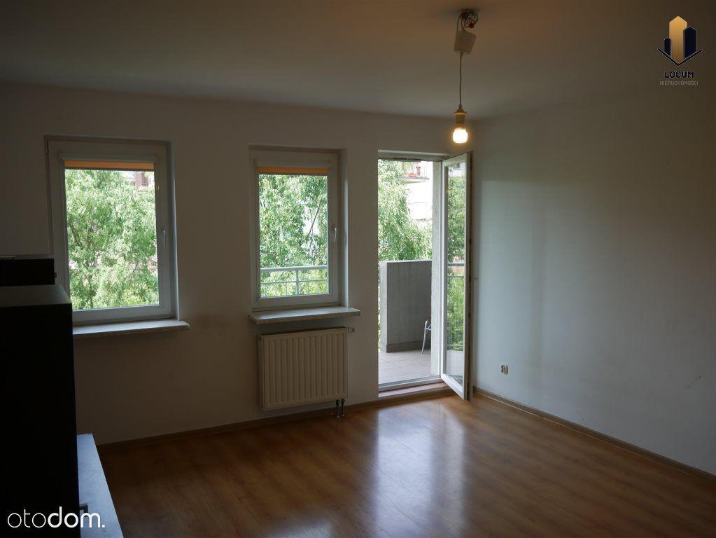 3 pokojowe mieszkanie z balkonem, Bronowice