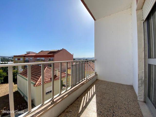 Apartamento T2 à venda em Urb. Barro, Loures