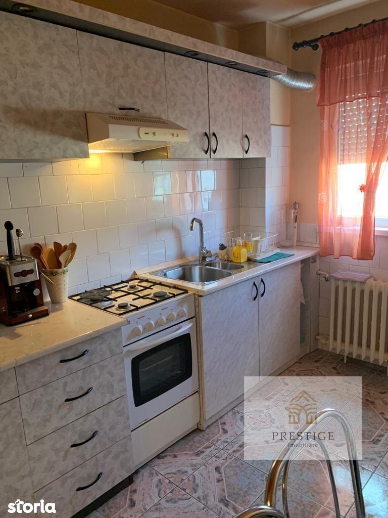 Apartament 3 camere de vanzare in Rogerius, str. Cantacuzino