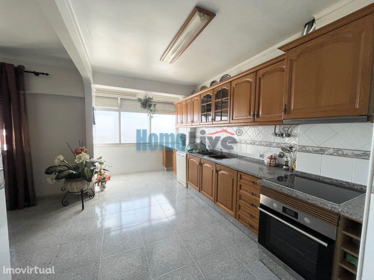 Apartamento T3 com Vista de Rio em Bom Sucesso, Alverca