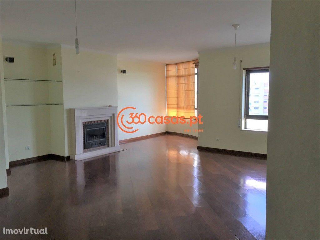 Apartamento T5 com 192m2 em Faro