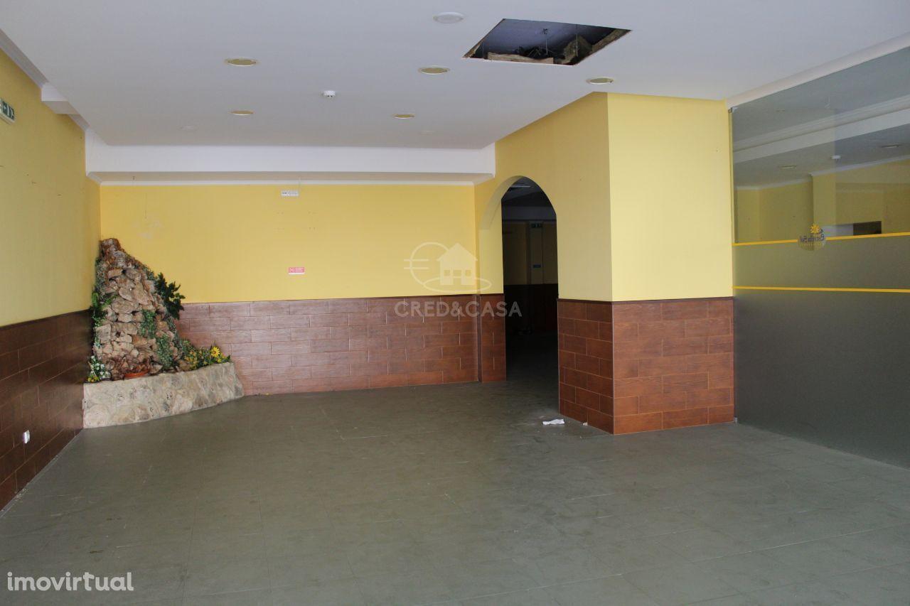 Loja para comprar, União de Freguesias da cidade de Santarém, Santarém - Foto 1
