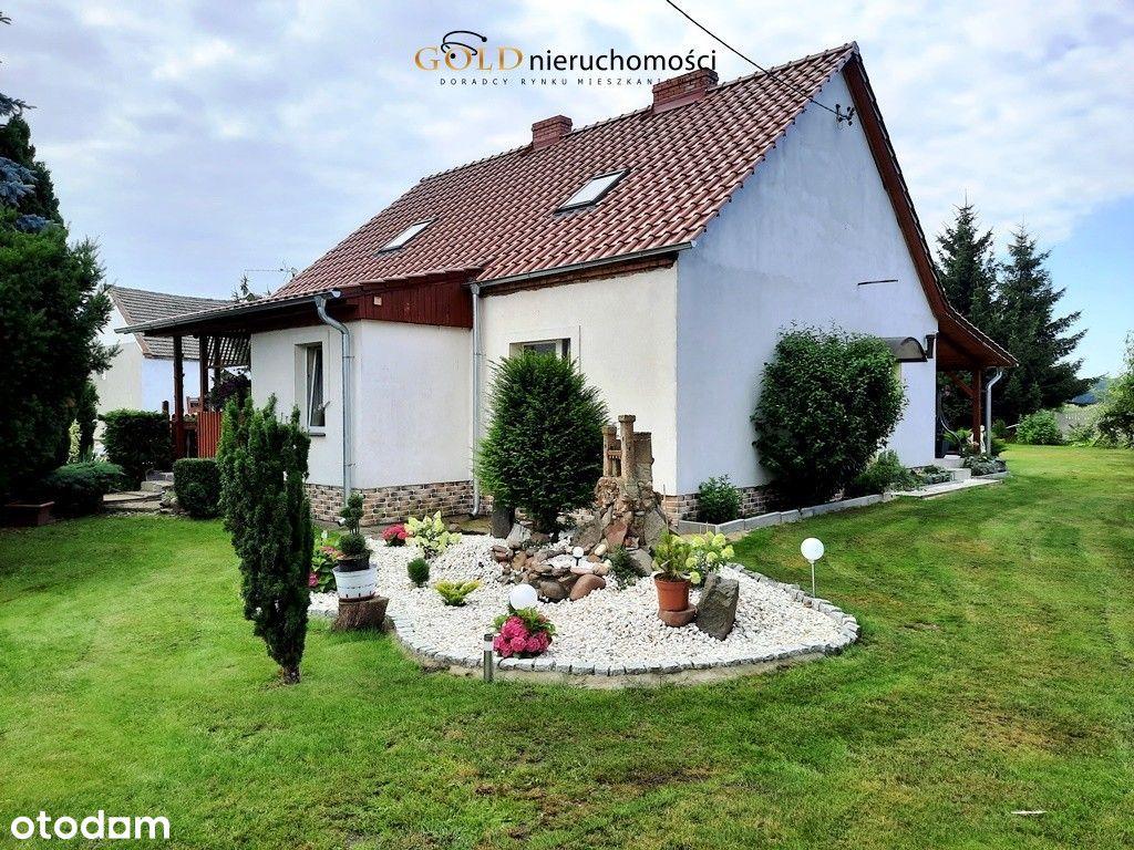 Dom z przestronnym ogrodem Sułków