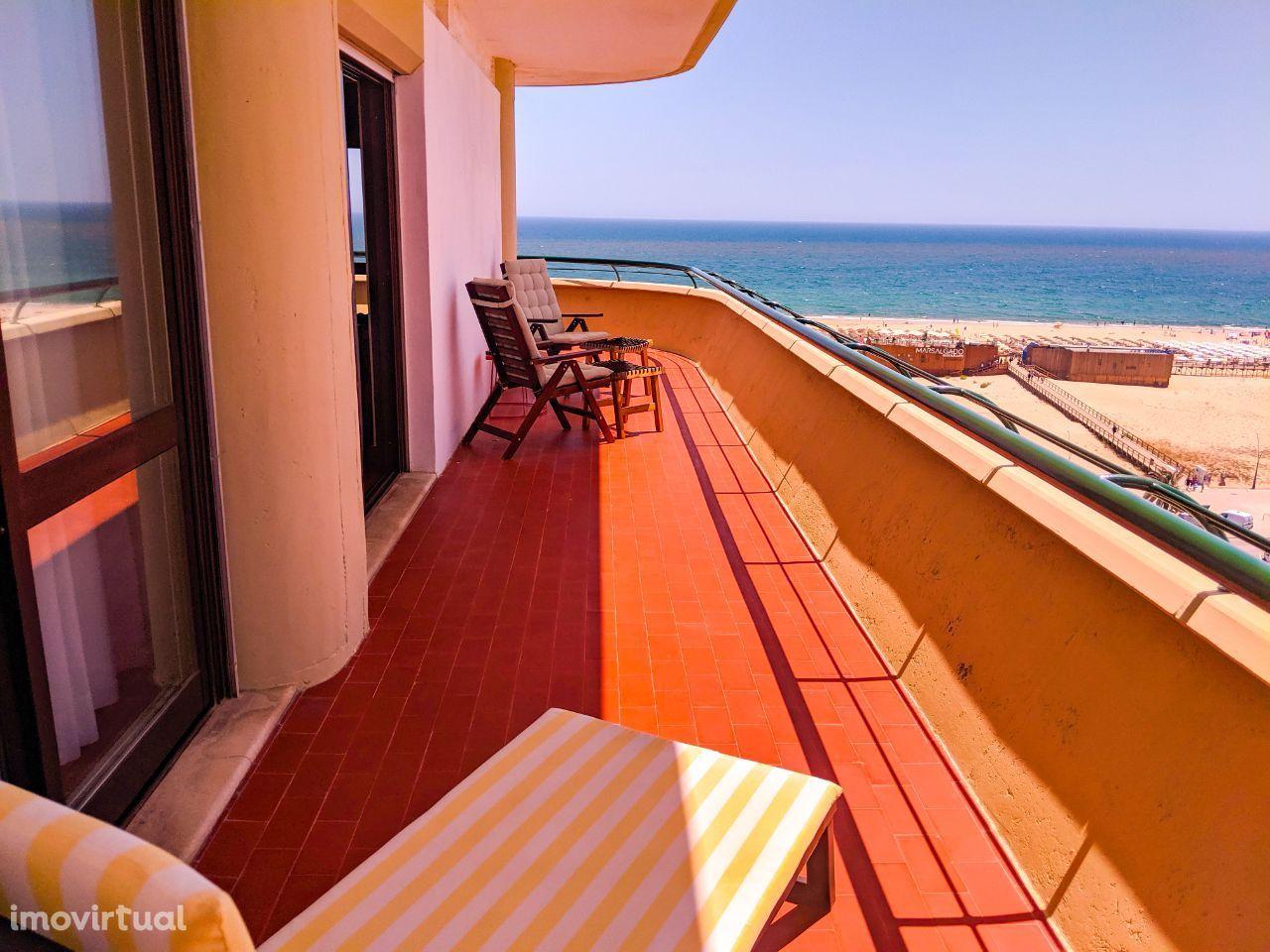 T2 frente mar Atoalhados WiFi AC Parqueamento Monte Gordo