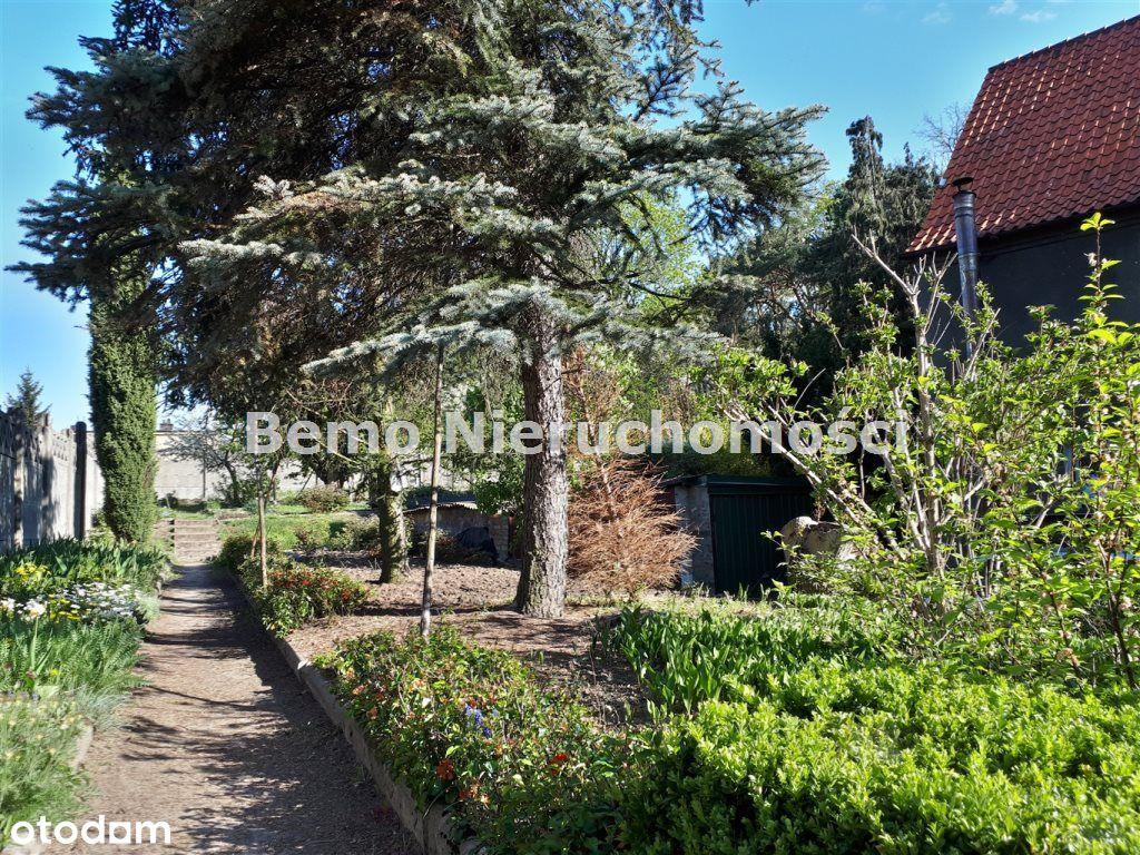 Dom wielorodzinny z dużym ogrodem