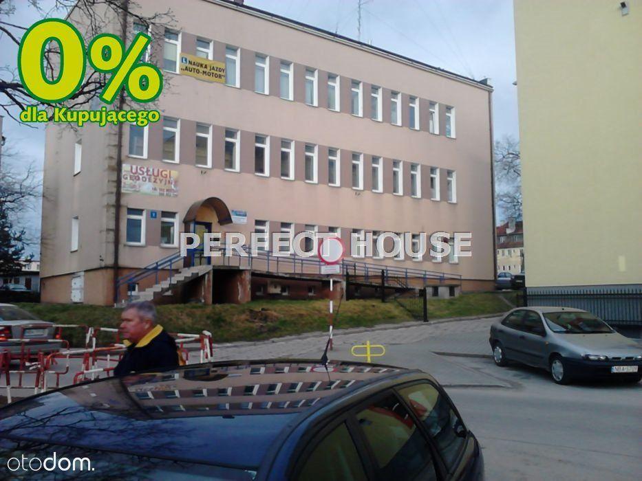 Bartoszyce - biurowiec z parkingiem w centrum