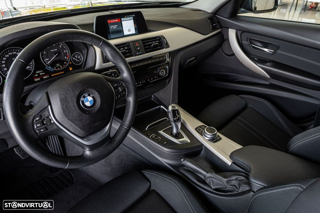 BMW 318 d Touring Ultimate Auto - 7