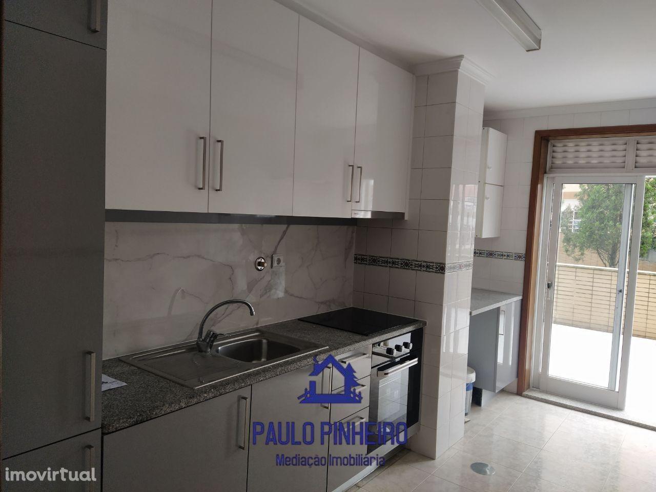 Apartamento T2 com terraço   Valongo