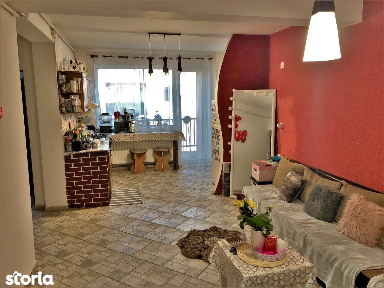 Apartament 3 camere de vanzare, zona Rahova-Interex