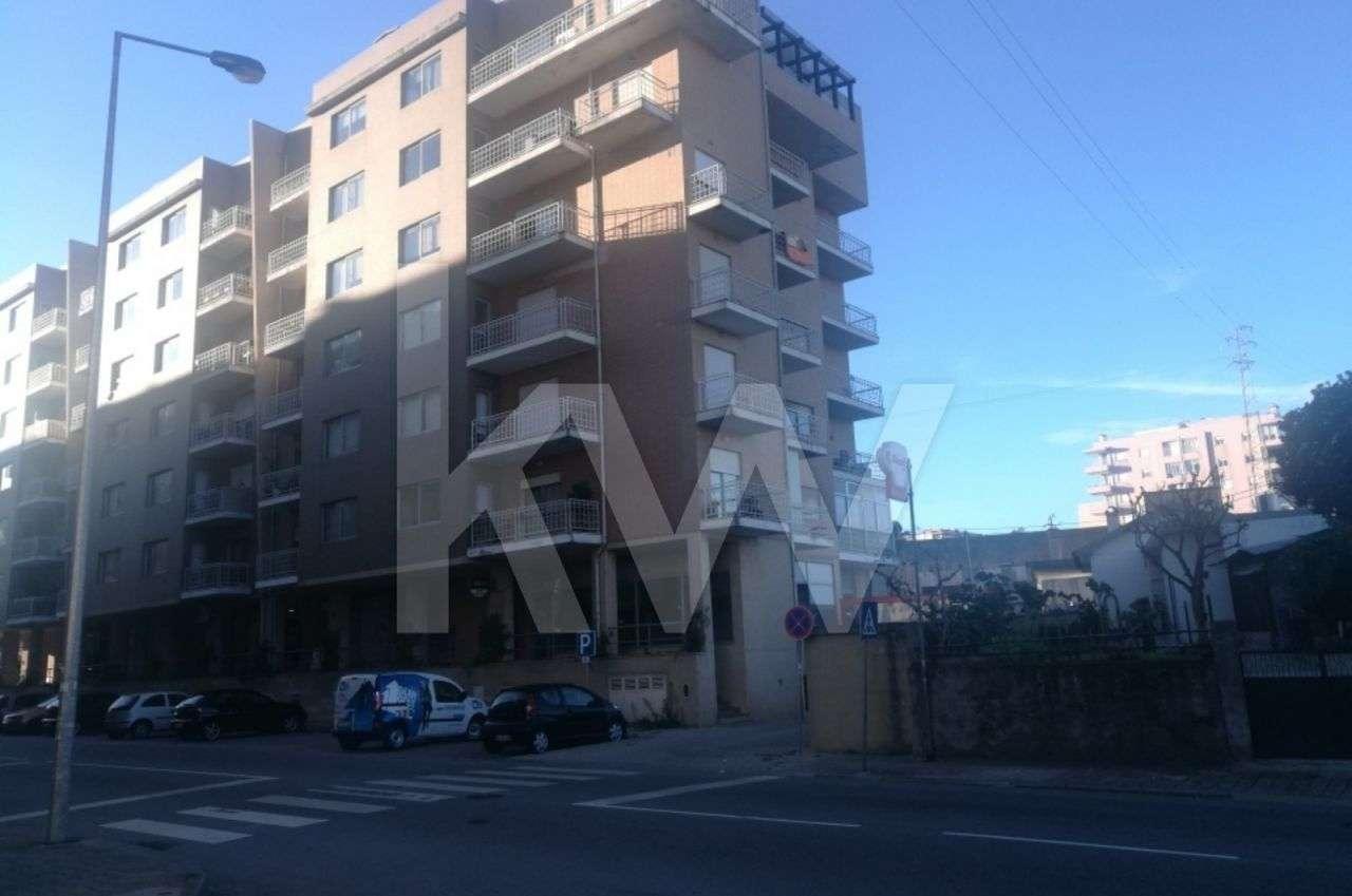 Loja para comprar, Vila Nova de Famalicão e Calendário, Vila Nova de Famalicão, Braga - Foto 1