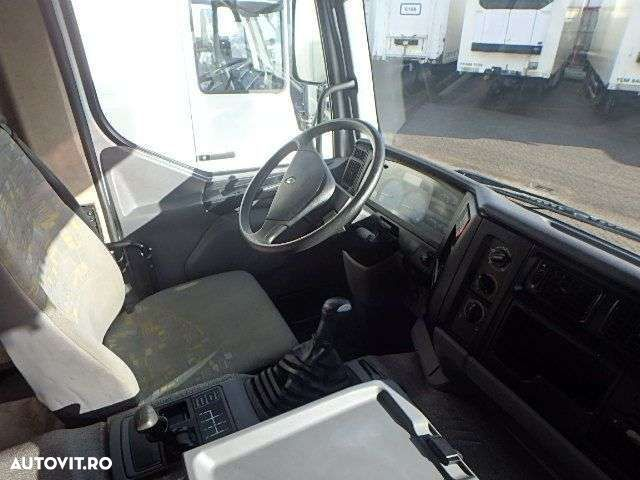 Renault PREMIUM 220 + MANUAL + LIFT - 4