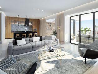 Apartamento T4 com jardim 5º piso em São Mamede!