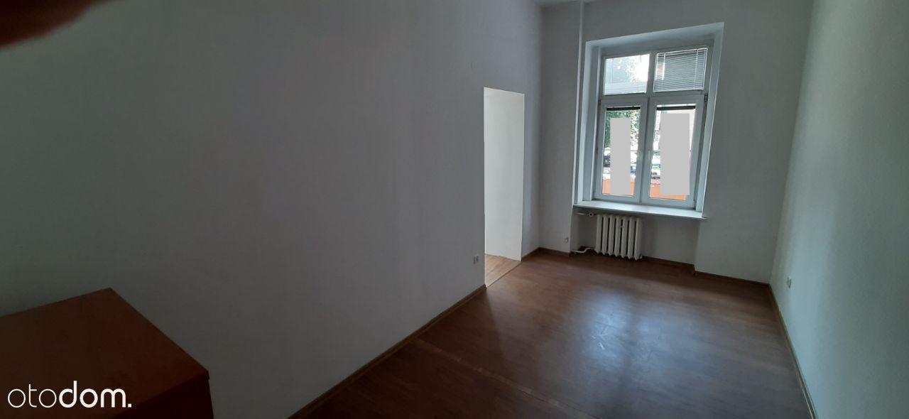 2 pokoje w centrum z c.o. i miejscem postojowym