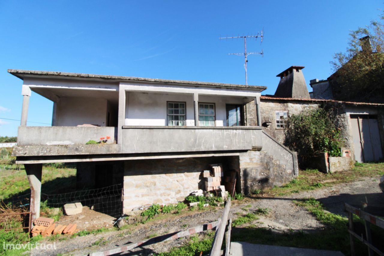 Quinta c/ moradia p/ restauro - Oliveira de Frades