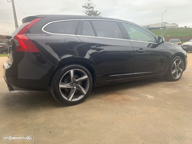 Volvo V60 Cross Country 2.4 d r-design twin engine d6 - 9