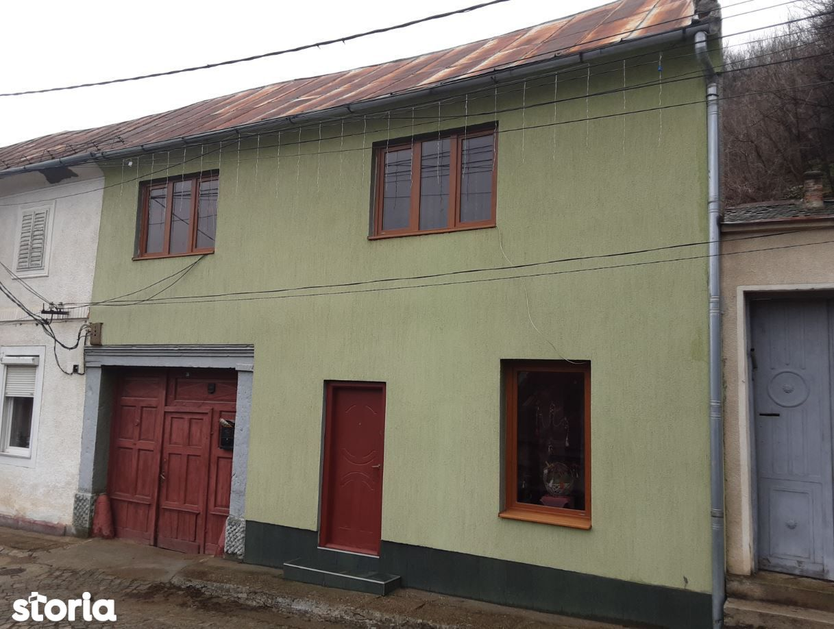 Apartament 4 camere-Oravita id 10019