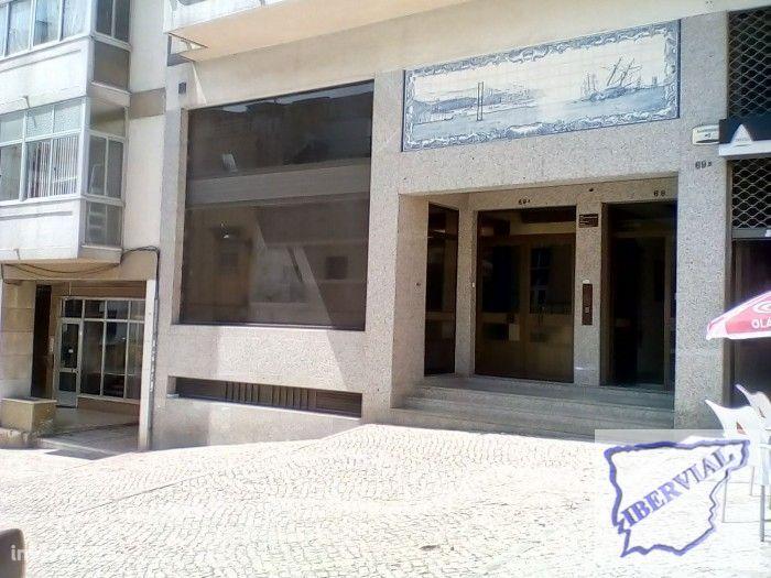 Loja em Ajuda/ Cruzeiro
