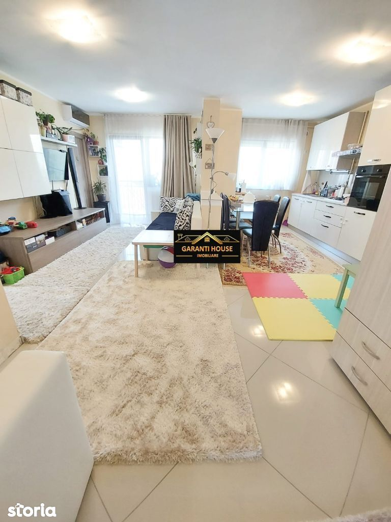 Victoriei (Marul de Aur), 3 camere, etaj 1, mobilat, 72 900€ neg.