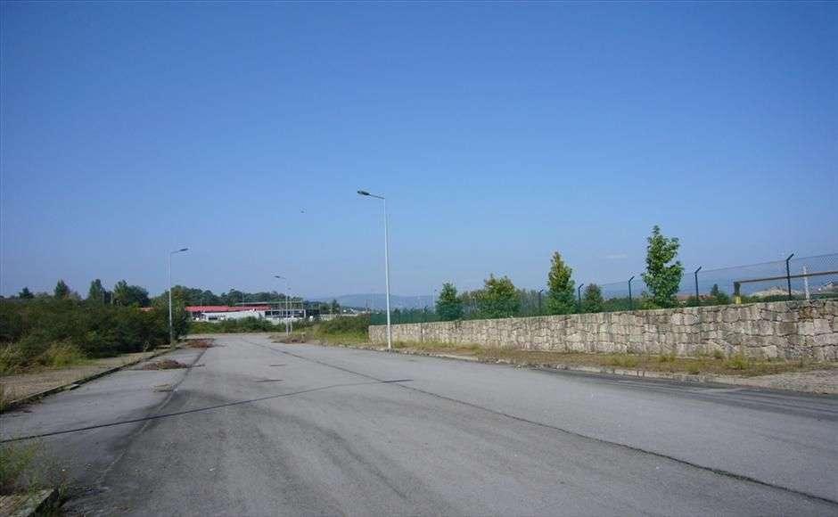 Terreno para comprar, Braga (Maximinos, Sé e Cividade), Braga - Foto 2