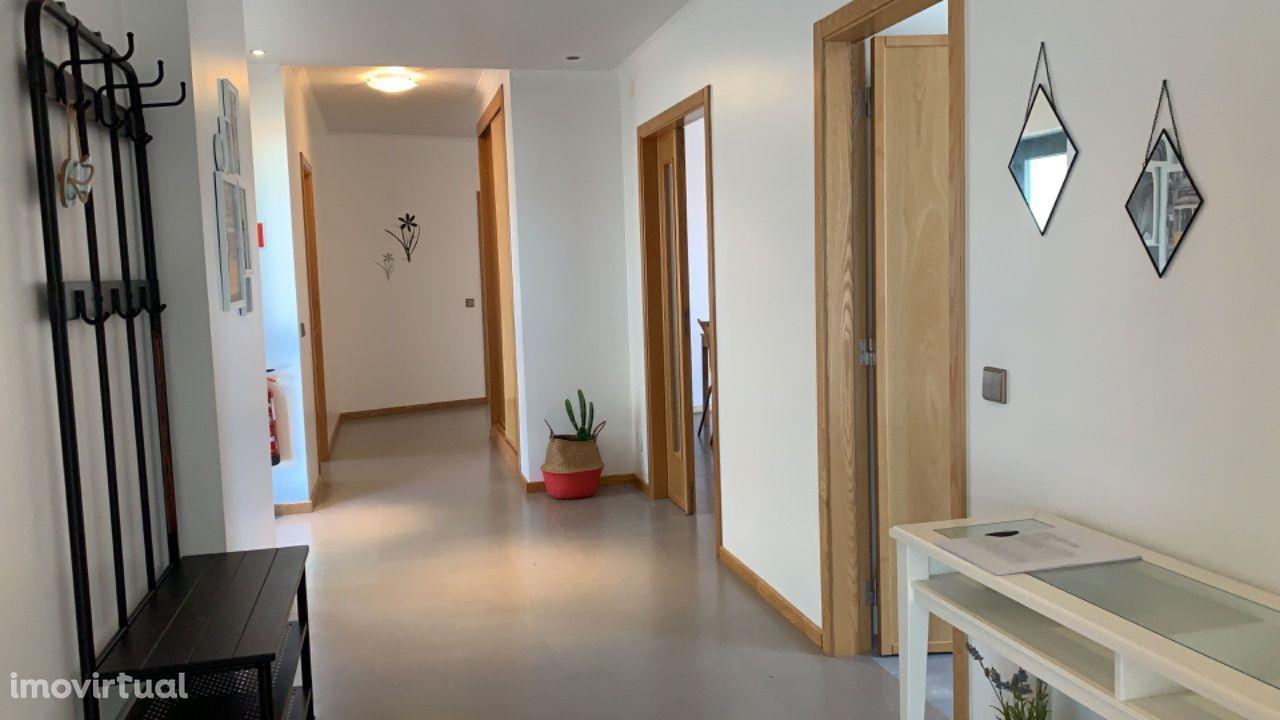 Apartamento T3 em condomínios com piscina