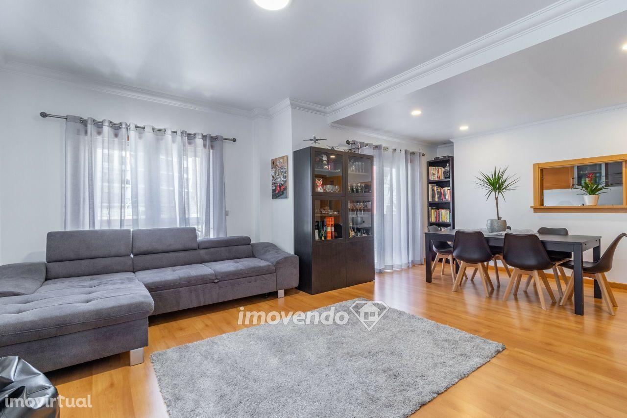 Apartamento T3, com garagem, nas Colinas do Cruzeiro, em Odivelas